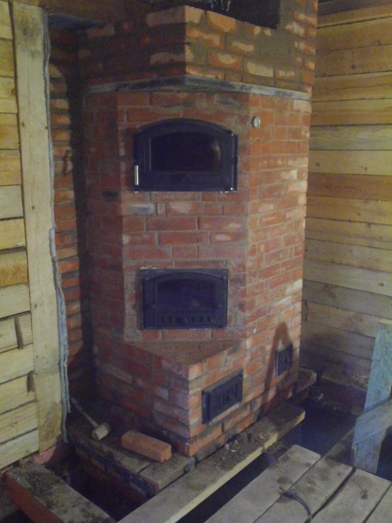 Фиинская печь-камин с хлебной камерой.